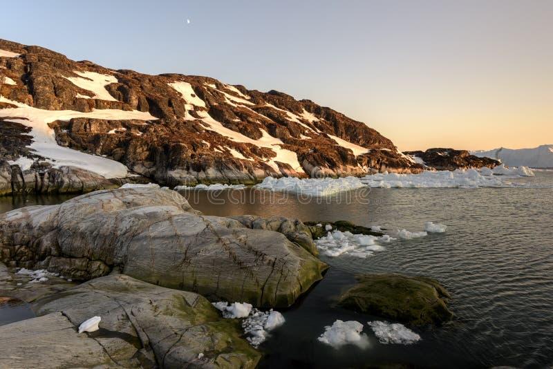 Los glaciares están derritiendo en el icefjord de la Groenlandia En mayo de 2016 imágenes de archivo libres de regalías