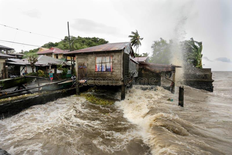 Los golpes Filipinas de Haiyan del tifón fotos de archivo libres de regalías
