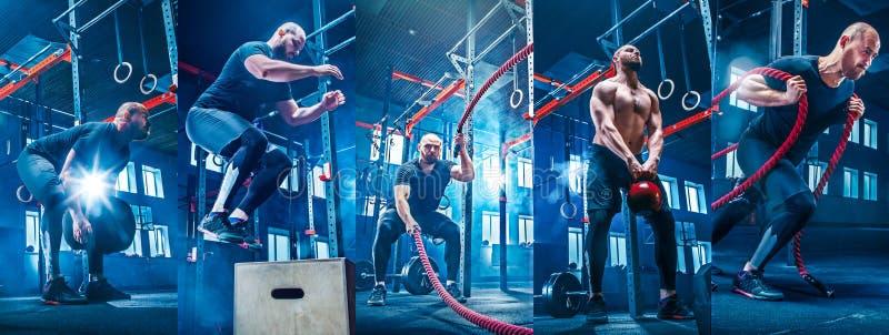 Los hombres con la cuerda de la batalla luchan cuerdas ejercitan en el gimnasio de la aptitud imagen de archivo