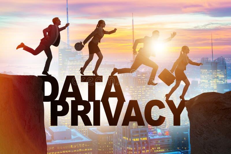 Los hombres de negocios que escapan la responsabilidad de la privacidad de datos libre illustration