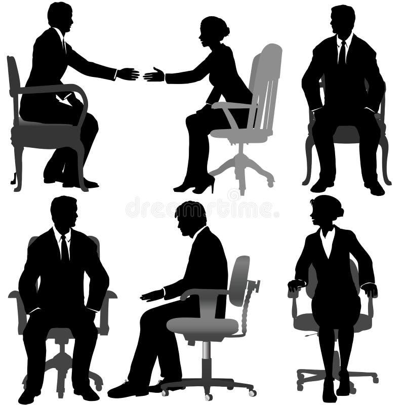 Los hombres de negocios y las mujeres de negocios se sientan en sillas de la oficina ilustración del vector