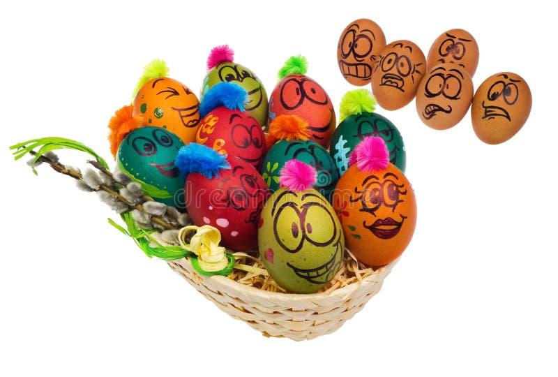 Los huevos en colores naturales miran con el horror, asombro y temen a imagenes de archivo