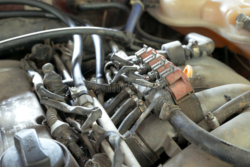 los inyectores del coche del lpg en motor de coche viejo necesitan mantener, proveer de gas injecto imagen de archivo libre de regalías