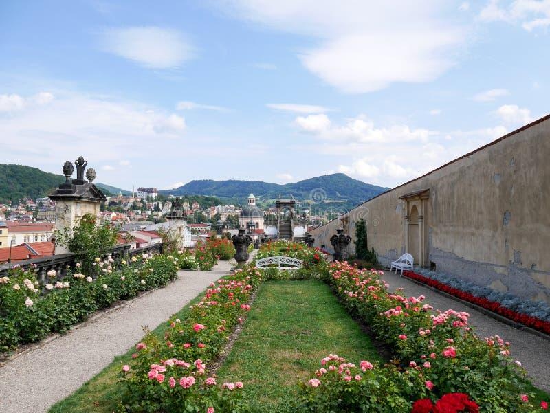 Los jardines Decin del castillo fotos de archivo