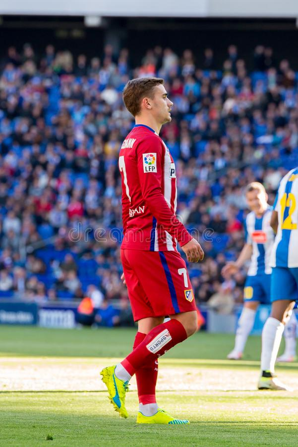 Los juegos de Antoine Griezmann en el La Liga hacen juego entre el RCD Espanyol y Atletico de Madrid en el estadio de Powerade imagenes de archivo