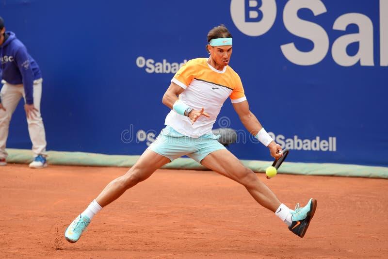 Los juegos de Rafa Nadal (jugador de tenis español) en el ATP Barcelona abren el banco Sabadell fotos de archivo libres de regalías
