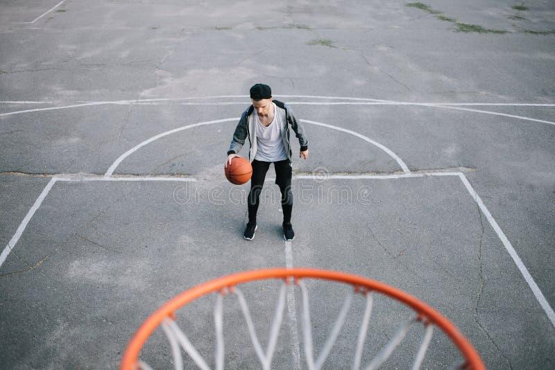 Los jugadores de básquet imágenes de archivo libres de regalías