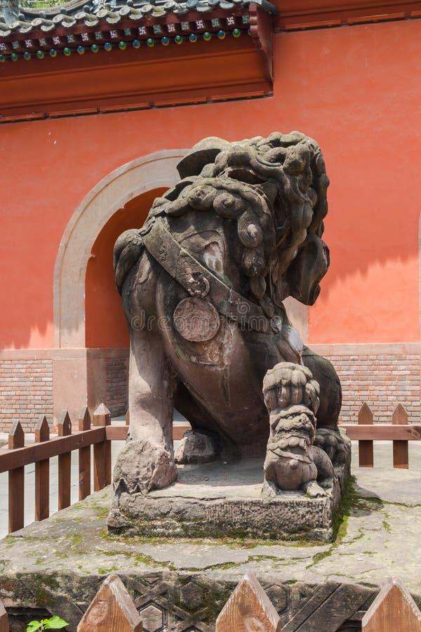 Los leones de piedra antiguos chinos imagen de archivo libre de regalías