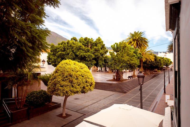 Los LLanos城市的中心广场 图库摄影