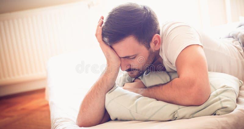 Los malos sueños le matan foto de archivo