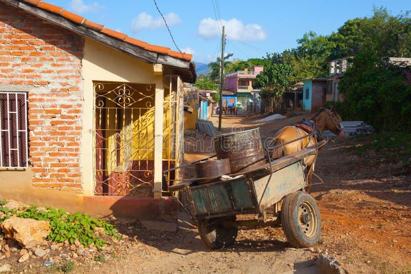 Los materiales típicos del transporte en la ciudad colonial vieja, Trini foto de archivo libre de regalías