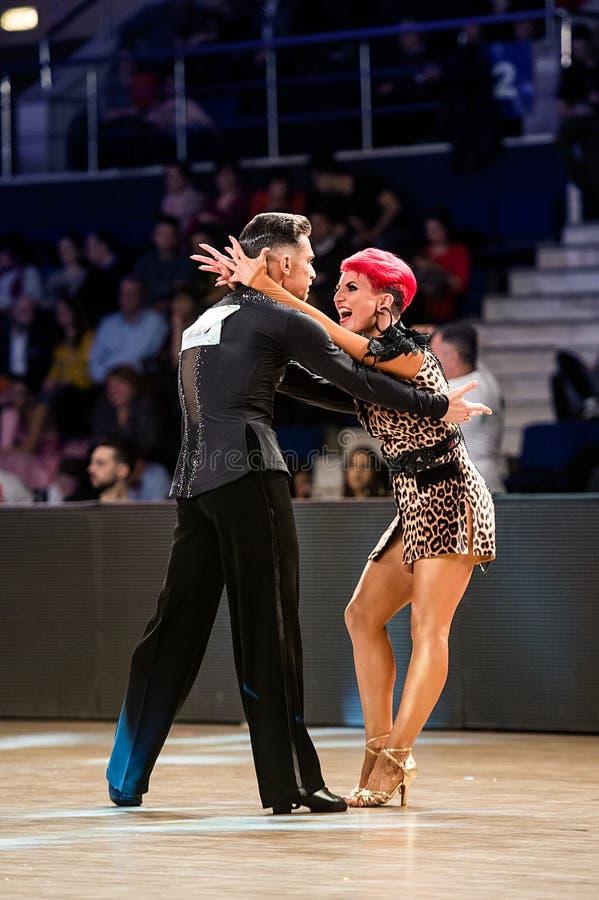 LOS MEJORES BAILARINES MUNDO DE LA DANZA campeonato AMOS DE LA DANZA La alegría del baile imagen de archivo libre de regalías