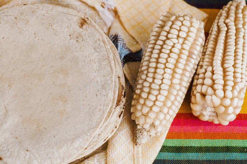 Los mexicanas de las tortillas, maíz hicieron comida mexicana la comida tradicional en México fotografía de archivo
