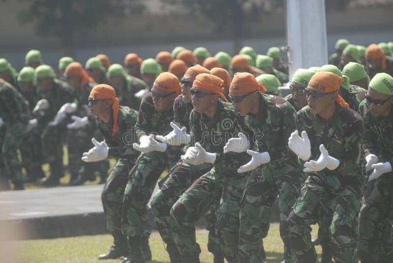 LOS MILITARES INDONESIOS REFORMAN imagen de archivo