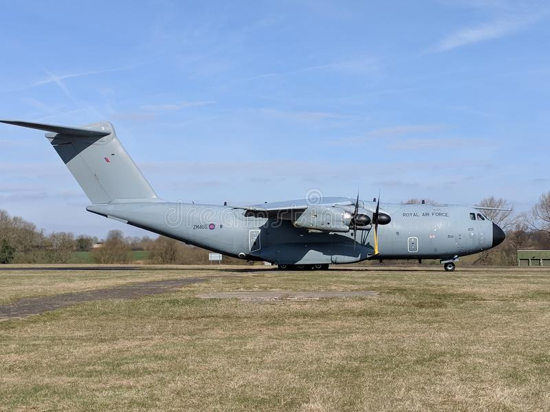 Los militares A400 transportan los aviones fotos de archivo