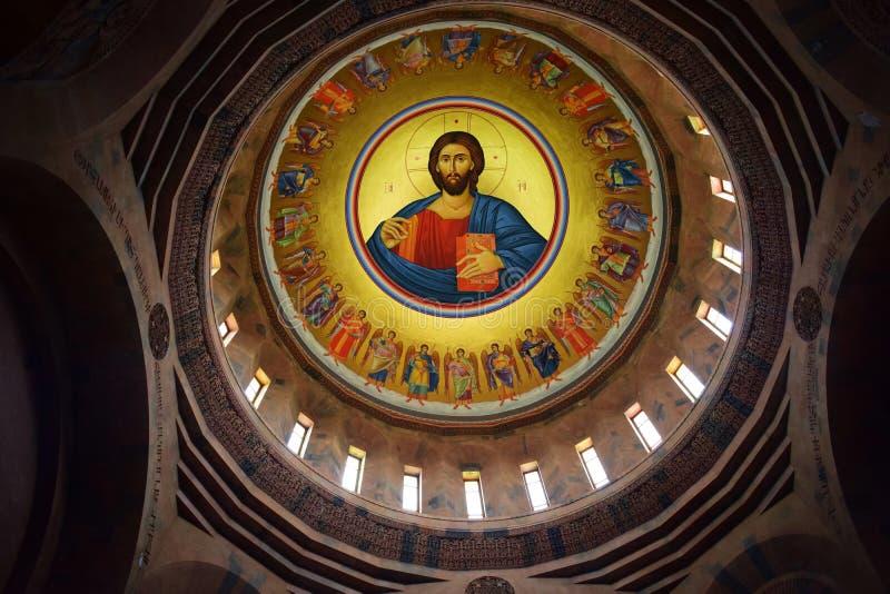 Los murales enormes de Cristo dentro de San Juan Baptist Church, Abovyan, Armenia fotografía de archivo libre de regalías