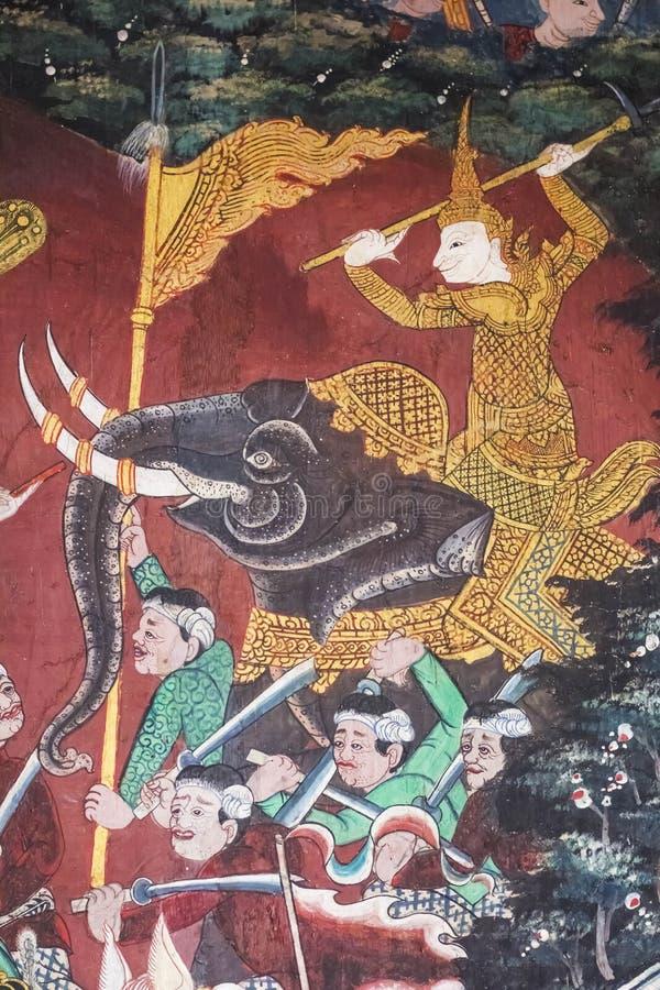 Los murales son hermosos y en templos tailandeses imagen de archivo