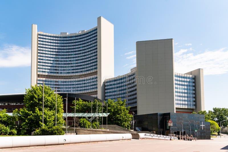 Los Naciones Unidas que construyen en Viena Austria con la AIEA imágenes de archivo libres de regalías