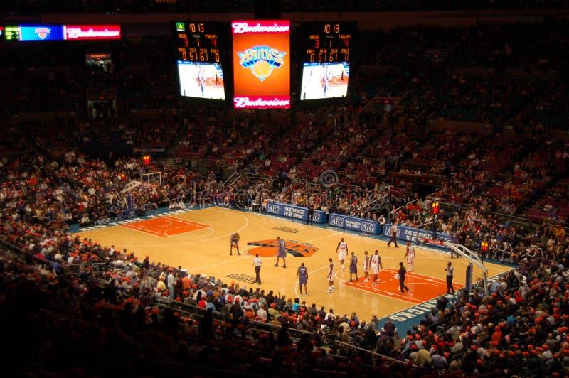 Los New York Knicks contra los Minnesota Timberwolves fotos de archivo libres de regalías