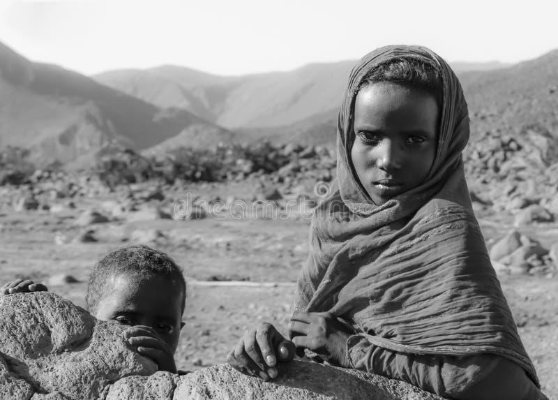 Los niños del desierto imagen de archivo libre de regalías