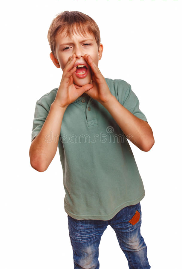 Los niños del muchacho del adolescente que llamaban gritos de los gritos abrieron el suyo imagen de archivo libre de regalías