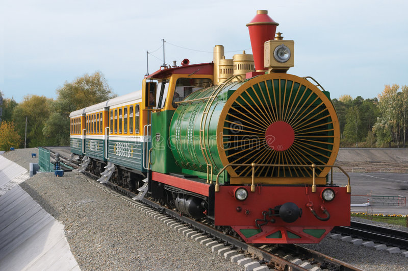 Los niños ferroviarios. imagen de archivo libre de regalías