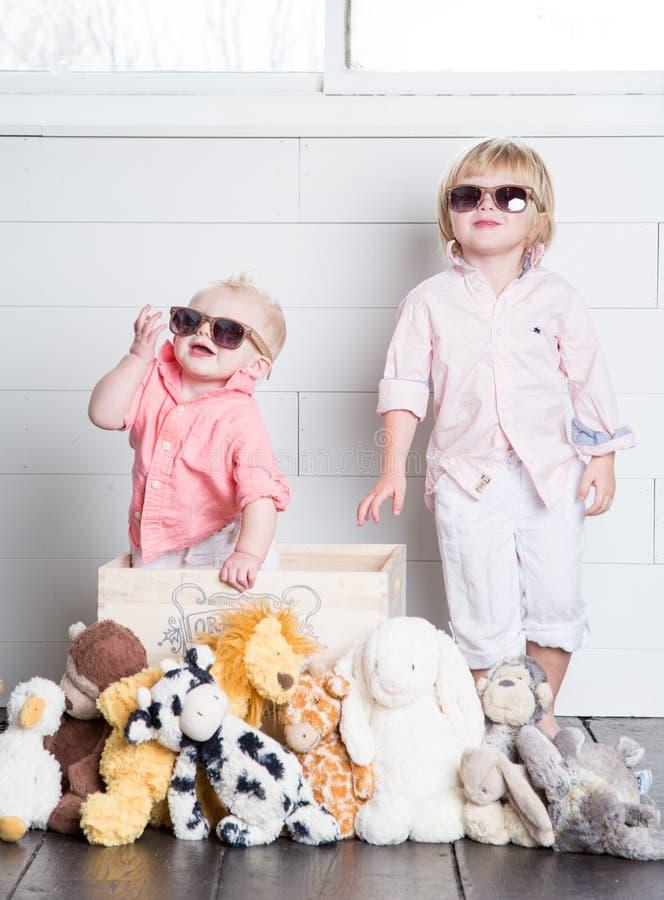 Los niños frescos foto de archivo