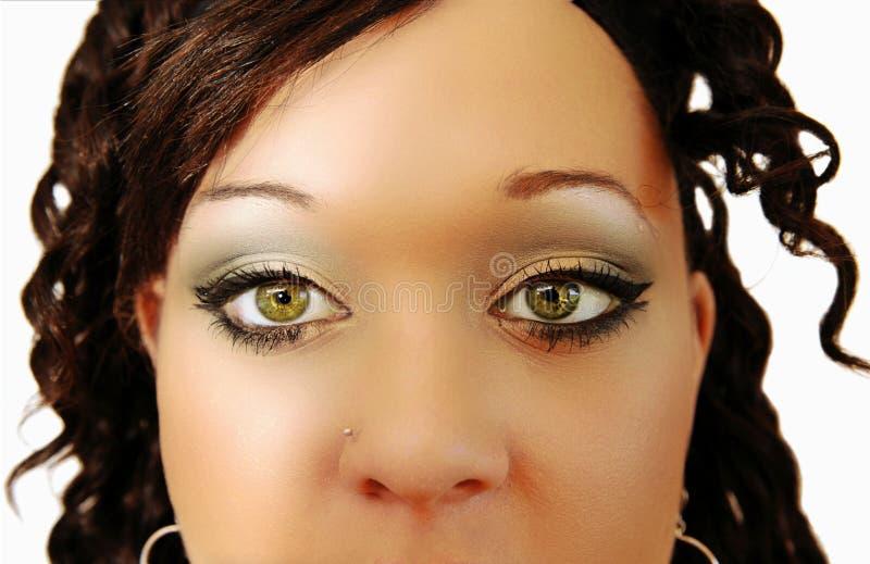 Los ojos hermosos de una mujer. foto de archivo