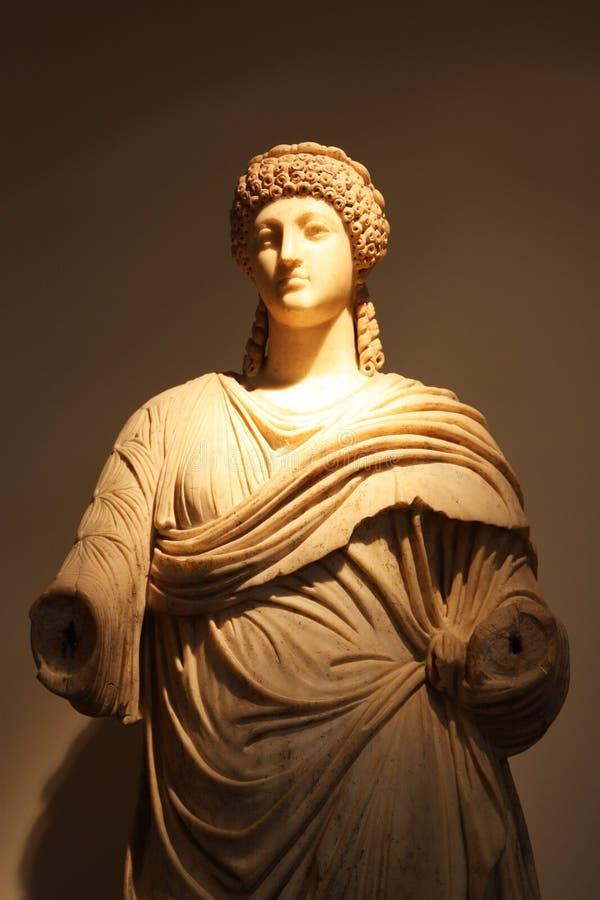 Los ornamentos esculpidos del templo de Zeus imagenes de archivo