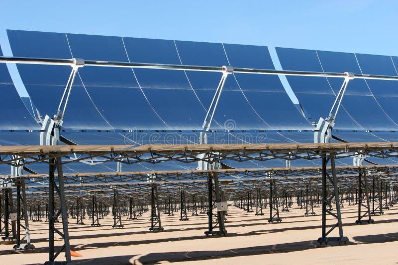 Los paneles de energía solar fotos de archivo libres de regalías