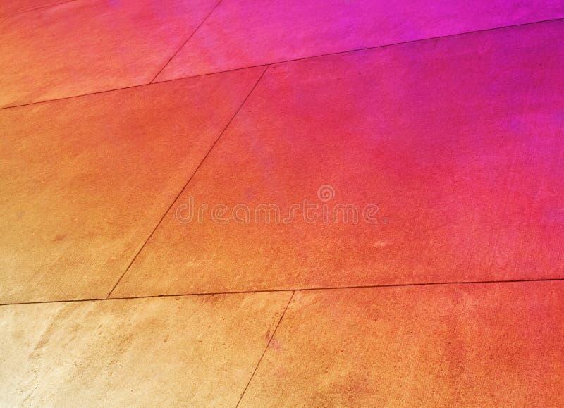 Los paneles metálicos brillantemente coloreados, oxidados imágenes de archivo libres de regalías