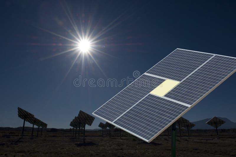 Los paneles solares en New México fotografía de archivo
