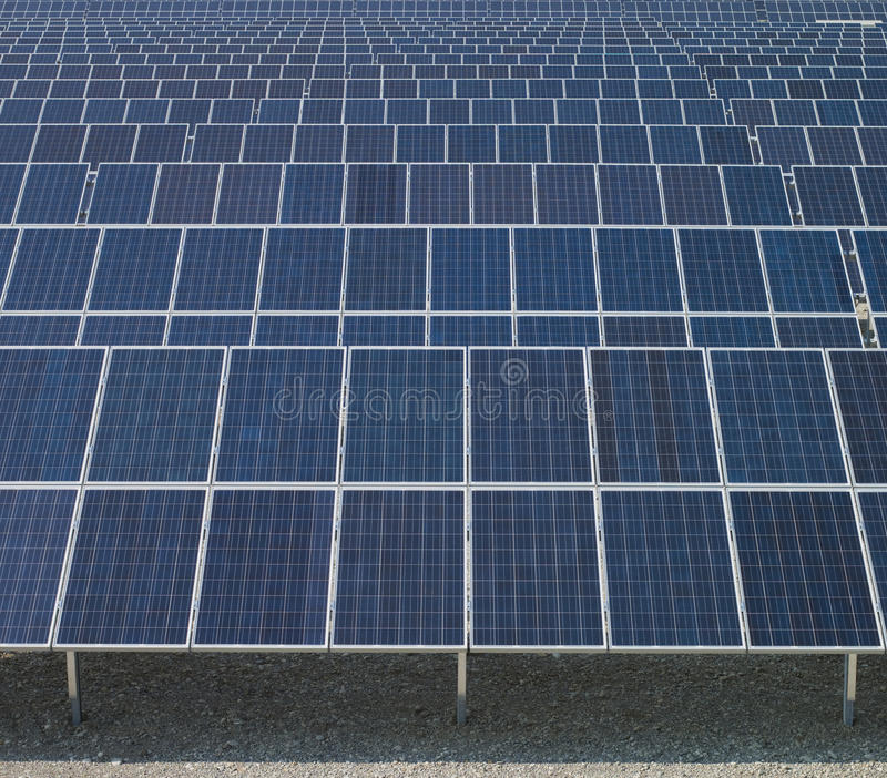 Los paneles solares, nueva energía fotos de archivo libres de regalías