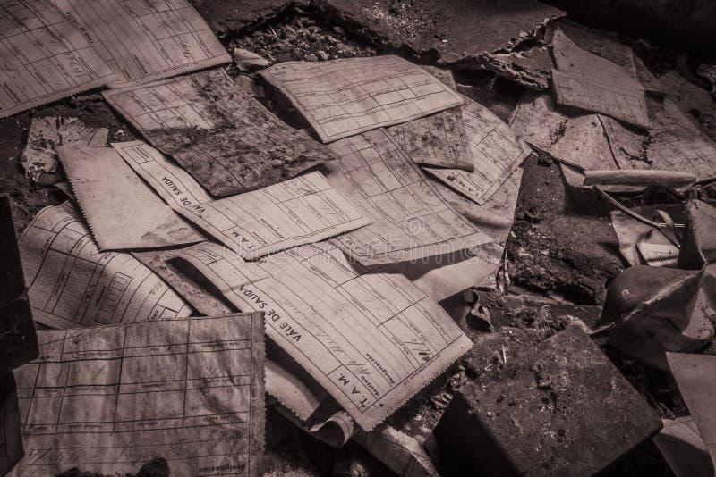 Los papeles abandonaron la fábrica fotos de archivo libres de regalías