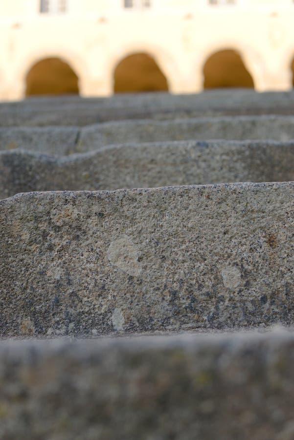 Los pasos antiguos se cierran encima del tiro Europa fotografía de archivo libre de regalías