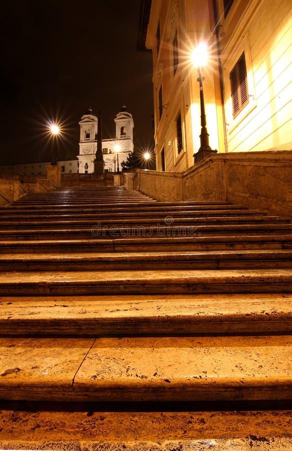 Los pasos de progresión del español en la noche, Roma fotos de archivo