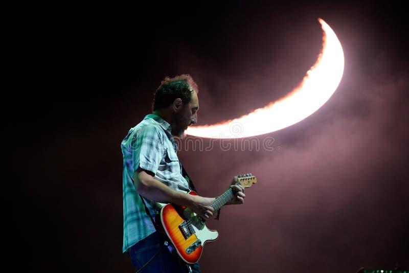 Los Planetas音乐带在音乐会执行在小谎节日 库存图片
