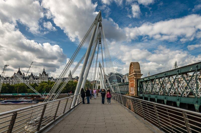 Los puentes de oro del jubileo en Londres fotos de archivo libres de regalías