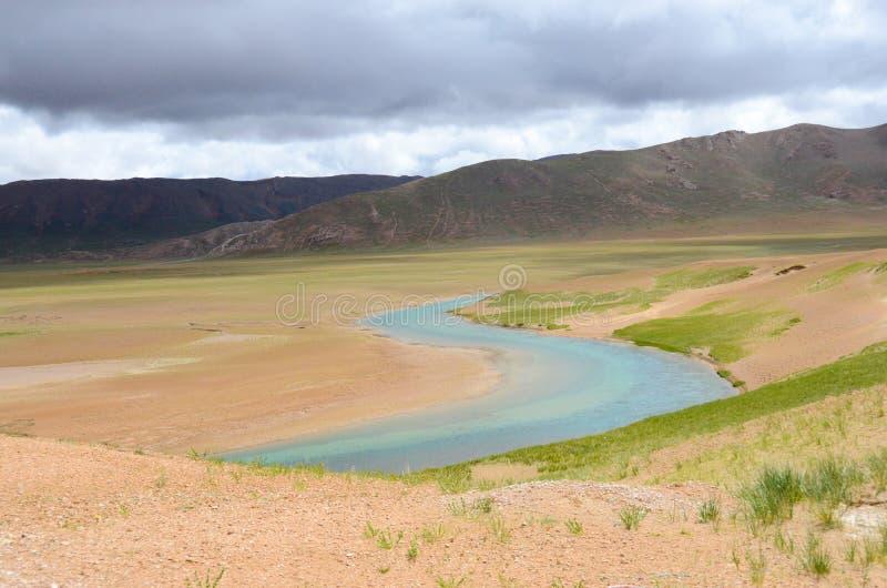 Los ríos abandonados en la Meseta del Tíbet fotografía de archivo