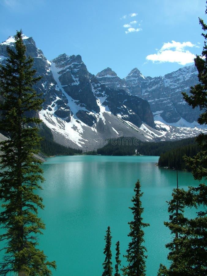Los Rockies - lago moraine fotografía de archivo libre de regalías