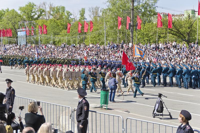Los soldados rusos marchan en el desfile en Victory Day anual, mayo, fotografía de archivo libre de regalías