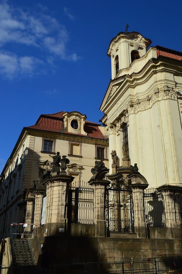 Los Ss Cyril y catedral en la nueva ciudad, Nove Mesto de Methodius de Praga foto de archivo