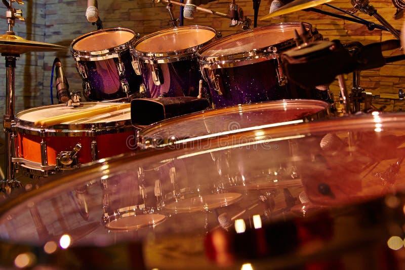 Los tambores del fragmento se cierran para arriba foto de archivo