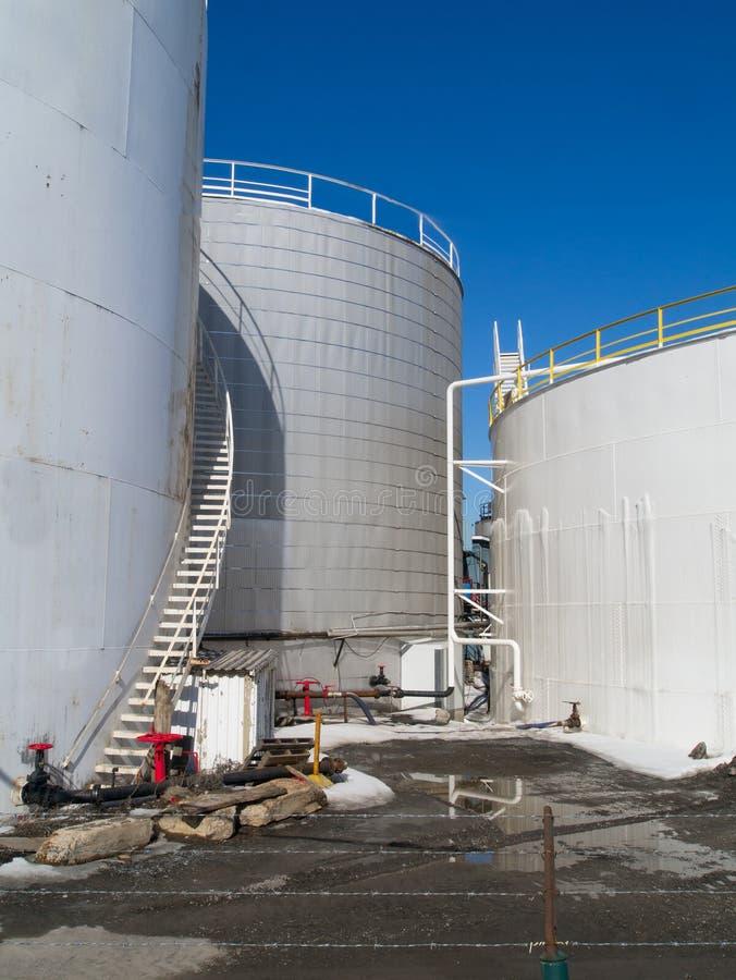 Los tanques blancos de la sustancia química o de la comida imagen de archivo libre de regalías