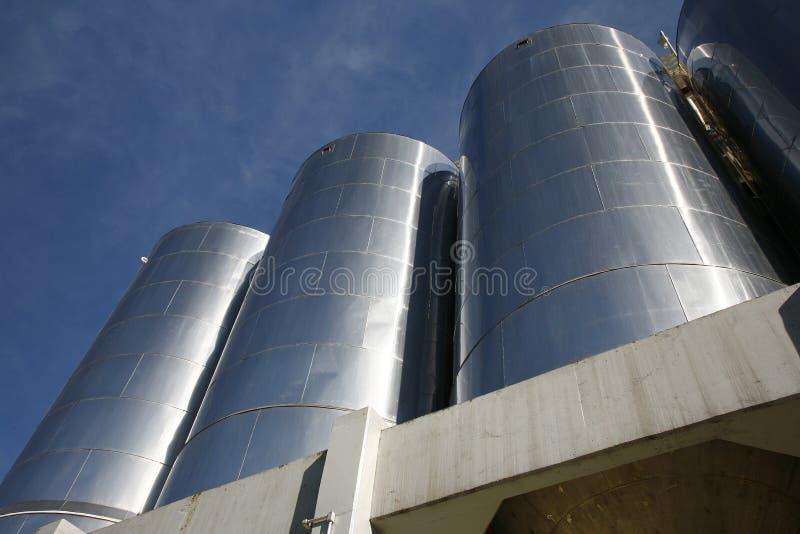 Los tanques de aluminio grandes imagen de archivo
