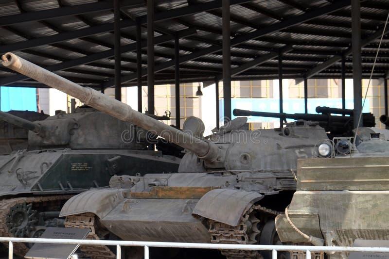 Los tanques en el museo militar del pueblo chino de la revolución del ` s en Pekín imágenes de archivo libres de regalías