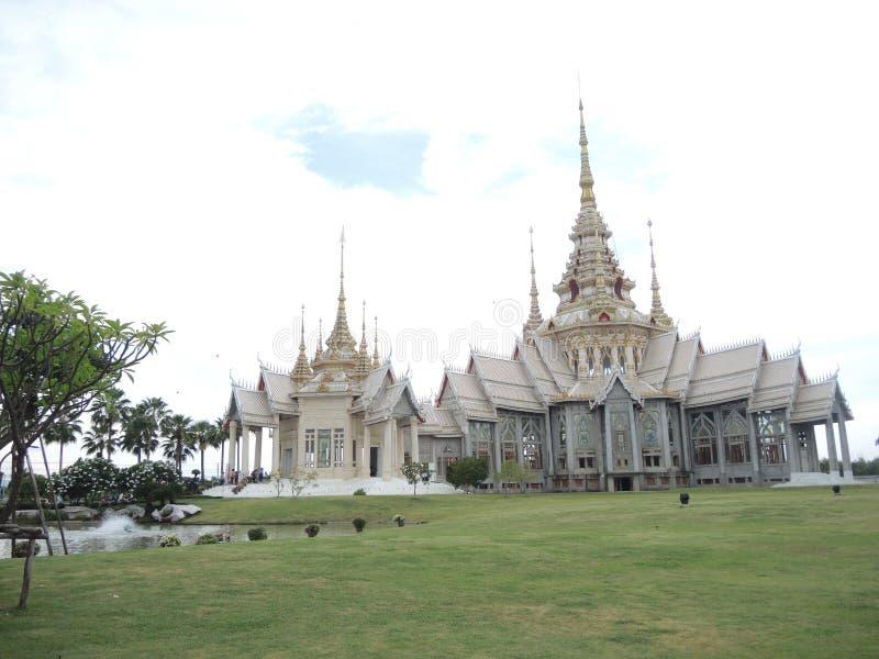Los templos famosos en Tailandia foto de archivo