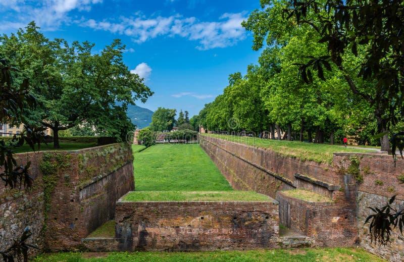 Los terraplenes de Lucca foto de archivo libre de regalías
