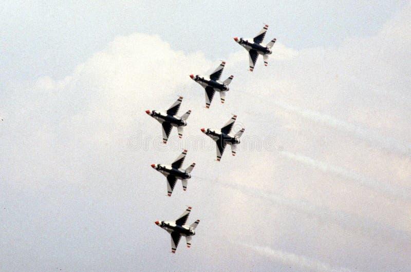 Los Thunderbirds de la fuerza aérea de Estados Unidos fotos de archivo