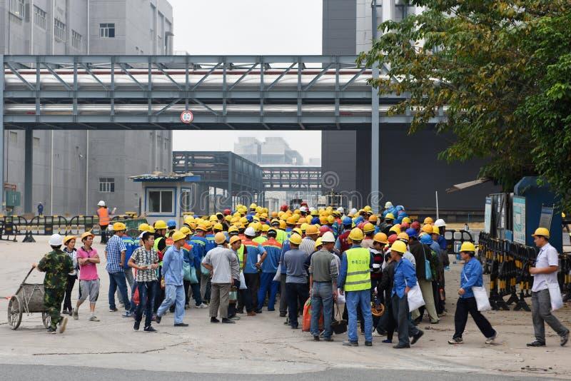 Los trabajadores emigrantes imagenes de archivo